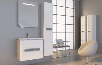 Как используют зеркало в ванной комнате разные члены семьи